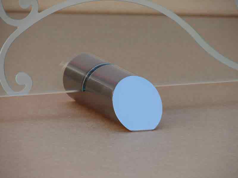 Stone MFG Freestanding Glass Screen Small Cylinder Feet
